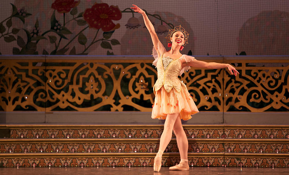 Tanya Chumak performing the Nutcracker with the Alberta Ballet